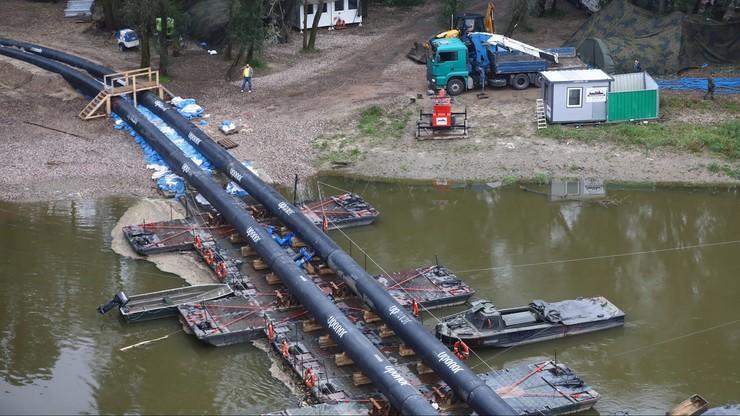"""Trwa demontaż tymczasowego rurociągu do """"Czajki"""". Ścieki znów płyną do Wisły"""