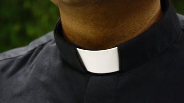 B. pracownik nuncjatury apostolskiej aresztowany w związku z pedofilią
