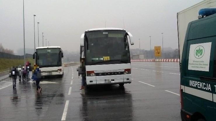 Dolnośląskie wraki: autobus z pękniętą tarczą hamulca i bus, który od rdzy... omal się nie rozpadł