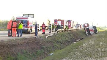 Wypadek na autostradzie A2. Autobus zjechał z nasypu