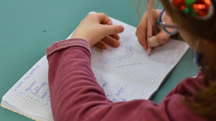 Powrót dzieci do szkół w reżimie sanitarnym. Ministerstwo podało wytyczne