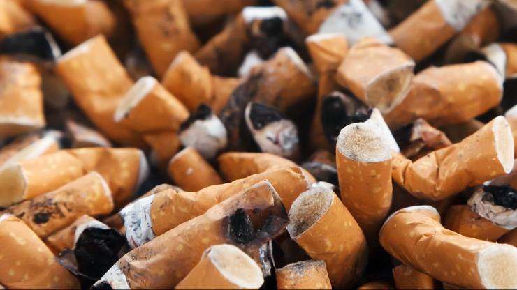 Zdjęcia jego kikuta użyto, jako ostrzeżenia na paczce papierosów. Zażądał wyjaśnień