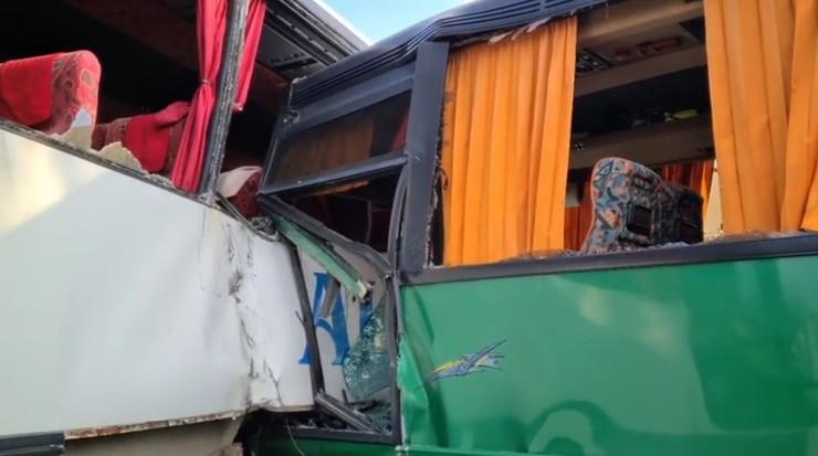 Panki: wypadek dwóch szkolnych autobusów. Ranne dzieci