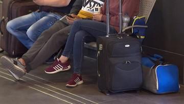 Utrudnienia w kursowaniu pociągów w Warszawie. Nawet 60 minut opóźnienia