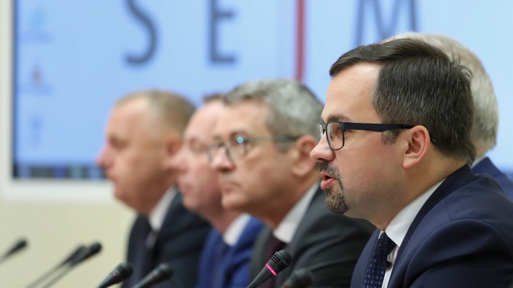 Komisja zawiadomi prokuraturę o podejrzeniu popełnienia przestępstwa przez b. ministra finansów