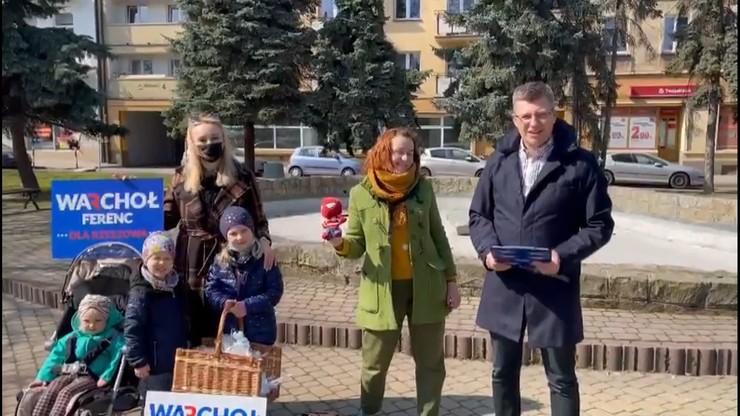 Wiceminister Marcin Warchoł bez maseczki. Rzecznik rządu komentuje