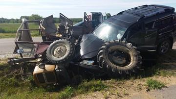 Samochód Włodzimierza Cimoszewicza zderzył się z ciągnikiem