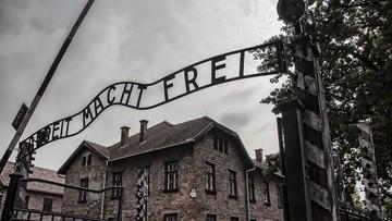 Świąteczne gadżety z nadrukami Bramy Śmierci. Interweniowało Muzeum Auschwitz