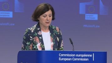 Komisja Europejska ostrzega Polskę przed sankcjami. Stawia ultimatum