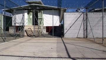 Biden ponownie otworzy obóz w Guantanamo. Zlikwidował go Barack Obama