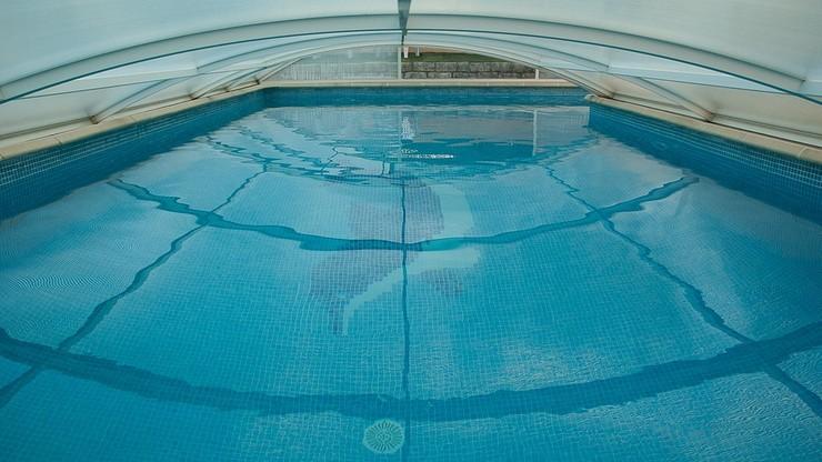Filtr na basenie wciągnął nastolatka. Tragiczny finał zabawy w Hiszpanii