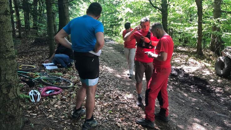 Rowerzysta zmarł na górskim szlaku w Beskidach