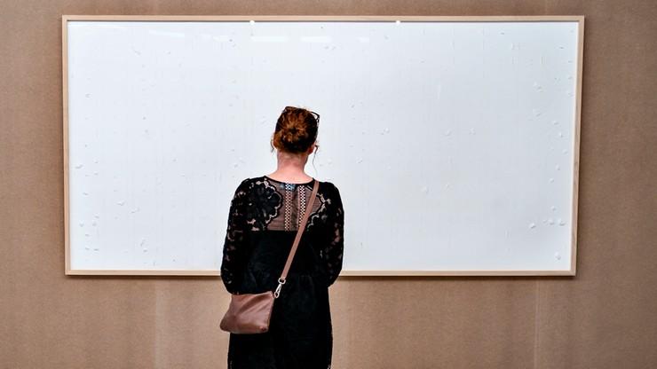 Dania. Jens Haaning zabrał pieniądze Kunsten Museum of Art w Aalborgu. Nazwał kradzież dziełem
