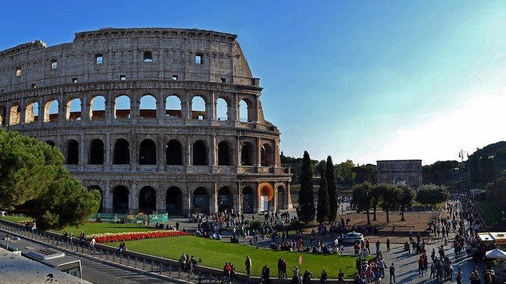 Burmistrz Rzymu: nie potrzebujemy turystów - szarańczy