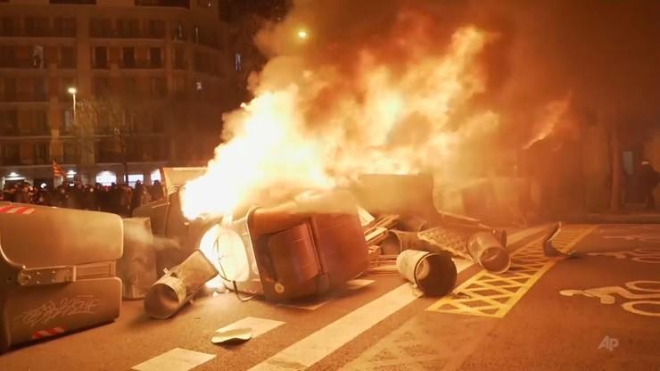 Hiszpania: protesty uliczne po uwięzieniu katalońskiego rapera Pablo Hasela