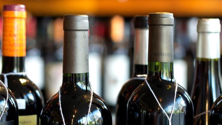 Coraz więcej samorządów zakazuje sprzedaży alkoholu w godzinach nocnych