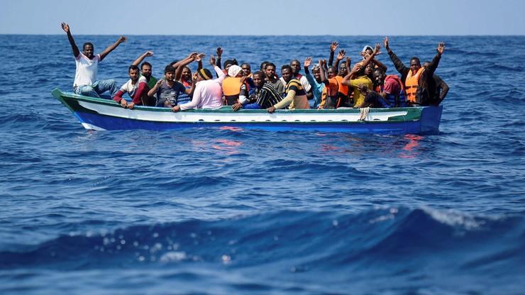 """Organizacje pozarządowe proszą o miejsce dla migrantów z """"Aquariusa"""""""
