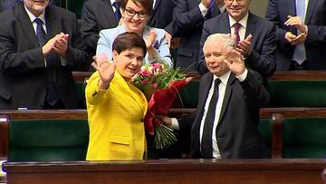 Premier Szydło hojnie nagrodziła ministrów i współpracowników z KPRM