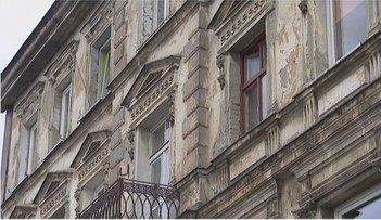 87-latek próbował wyłudzić dwie kamienice w centrum Łodzi warte ponad milion złotych