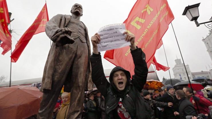 """Krzyczał """"hańba"""" podczas odsłonięcia pomnika Lenina. Białoruski opozycjonista zatrzymany"""