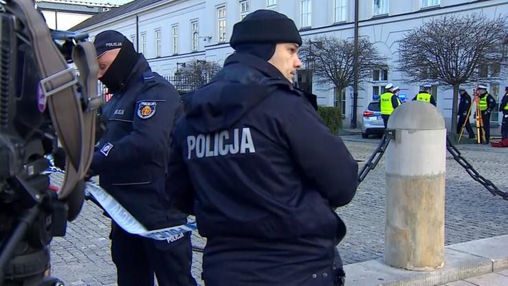 Zarzuty i wniosek o areszt dla 36-latka, który próbował wjechać na teren Pałacu Prezydenckiego