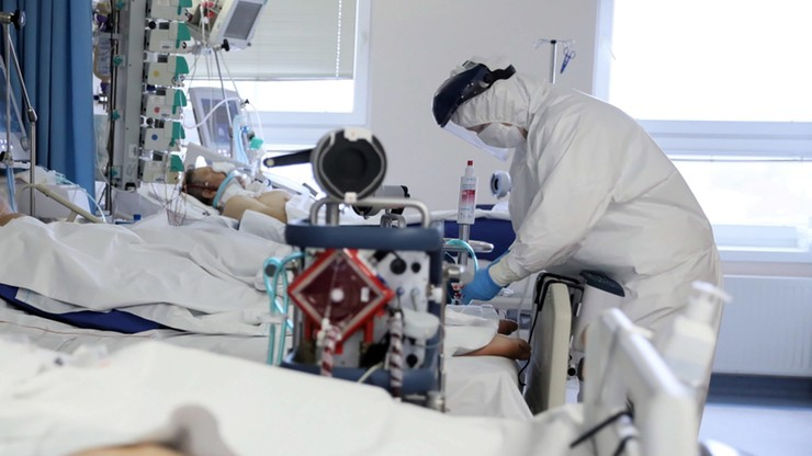 Ministerstwo Zdrowia podało, ile medyków zmarło od początku pandemii