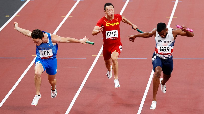 Tokio 2020: Sensacja w finale sztafety 4x100m!