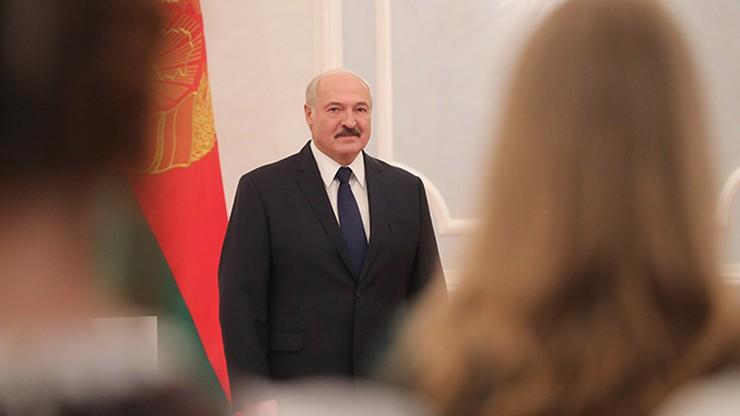Prezydent Białorusi zorganizował i zagrał w turnieju hokeja na lodzie