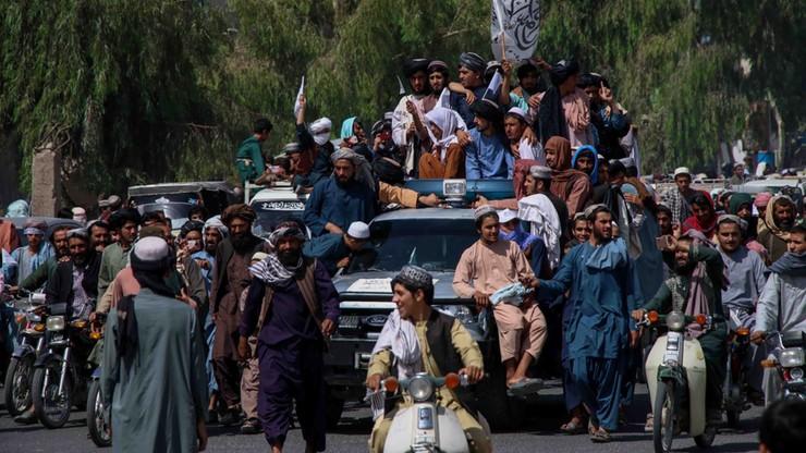 Afganistan. Talibowie zwabili homoseksualistę. Później pobili go i zgwałcili