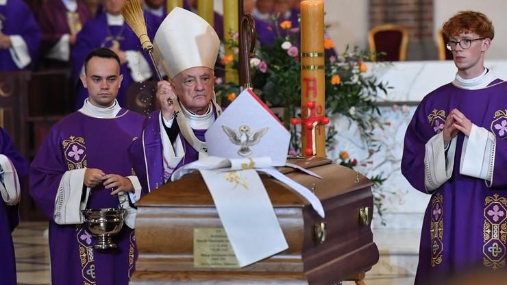 Premier: Hoser nigdy nie zrezygnował z dążenia do prawdy. W piątek odbył się pogrzeb arcybiskupa