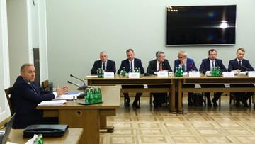 """Lider PO Grzegorz Schetyna przed komisją ds. VAT. """"Przedwyborczy i polityczny spektakl"""""""