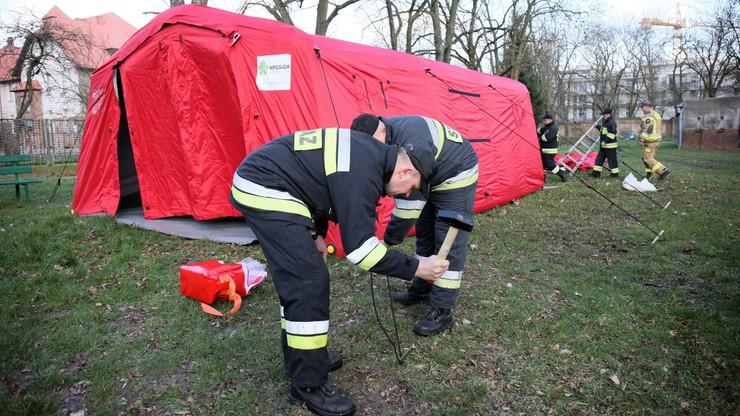 W całej Polsce ćwiczenia strażaków w związku z koronawirusem [WIDEO]