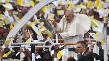"""""""Cierpienie i ubóstwo nie należą do Bożego planu"""". Papież na Madagaskarze"""