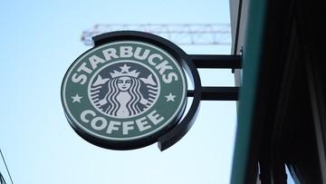 Starbucks zatrudni 10 tys. uchodźców. Odpowiedź na dekret Trumpa