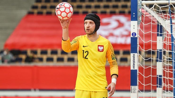 Polski bramkarz niczym Petr Cech. Bartłomiej Nawrat od lat gra w kasku (ZDJĘCIA)