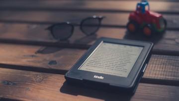 E-book nie pachnie jak książka? Wszystko zmieni ten spray