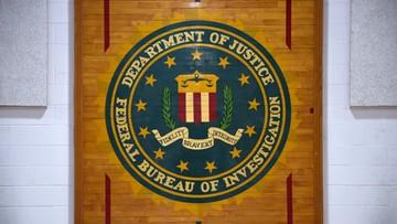 Agent FBI zrobił salto na imprezie i wypadła mu broń. Pistolet wystrzelił i ranił innego mężczyznę