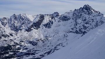 Trudne warunki turystyczne w Tatrach. Ratownicy ogłosili lawinową trójkę