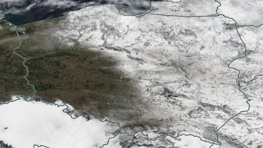 Zdjęcie satelitarne Polski w dniu 21 lutego 2021 roku. Fot. NASA.