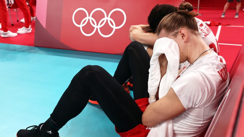 Tokio 2020: Polscy siatkarze załamani po odpadnięciu z igrzysk. Zalali się łzami (ZDJĘCIA)