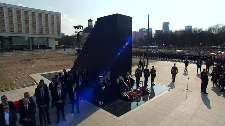 Tomczyk: policja chroni pomnik smoleński przez całą dobę