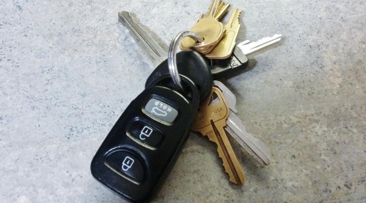 Białka Tatrzańska: pijany ojciec zasnął za kierownicą. 14-latka zabrała kluczyki