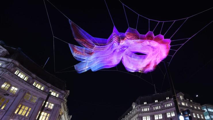 Świetlne rzeźby i instalacje w centrum Londynu. Rozpoczął się festiwal Lumiere