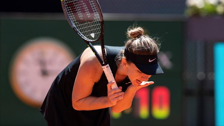WTA w Rzymie: Halep opuściła kort na noszach i ze łzami w oczach (WIDEO)