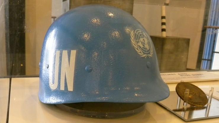 """Stu żołnierzy wysłanych do Srebrenicy czuje się """"porzuconych przez holenderskie państwo"""""""