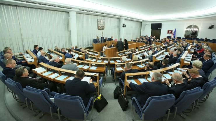 Senat za ustawą uszczelniającą program 500+