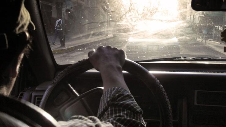 Sąd ukarał głuchoniemego kierowcę. Prokuratura twierdzi, że nie mógł się bronić