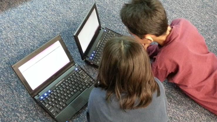 Złośliwe oprogramowanie na laptopach uczniów. Komputery przekazał brytyjski rząd