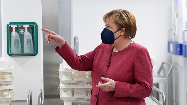 """""""Nie liczę, że Merkel przyjedzie do nas z prezentami"""". Prezydent Ukrainy o wizycie kanclerz Niemiec"""