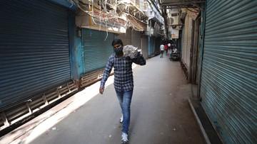 Napad nożownika w Indiach. Nie żyje kobieta, która niosła na ręku 2-letnie dziecko